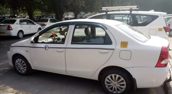 toyota etios car hire rental in delhi